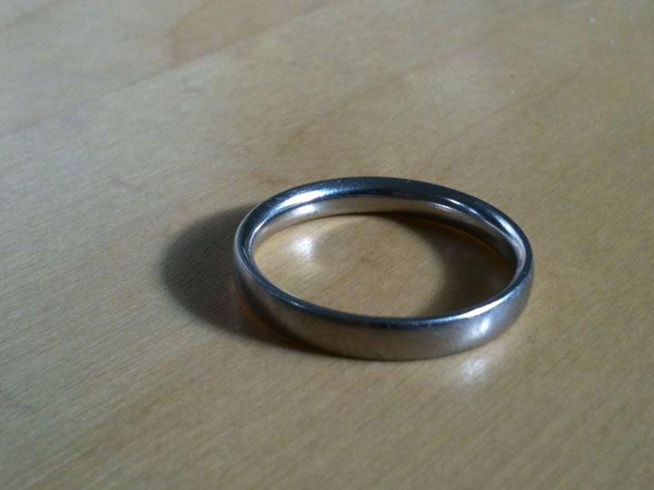 wedding_ring_on_table